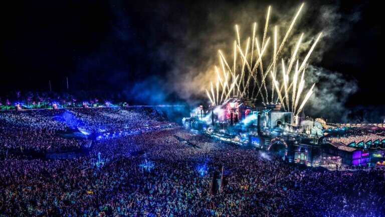 """Read more about the article """"Tomorrowland Around the World"""" das digitale Festival"""